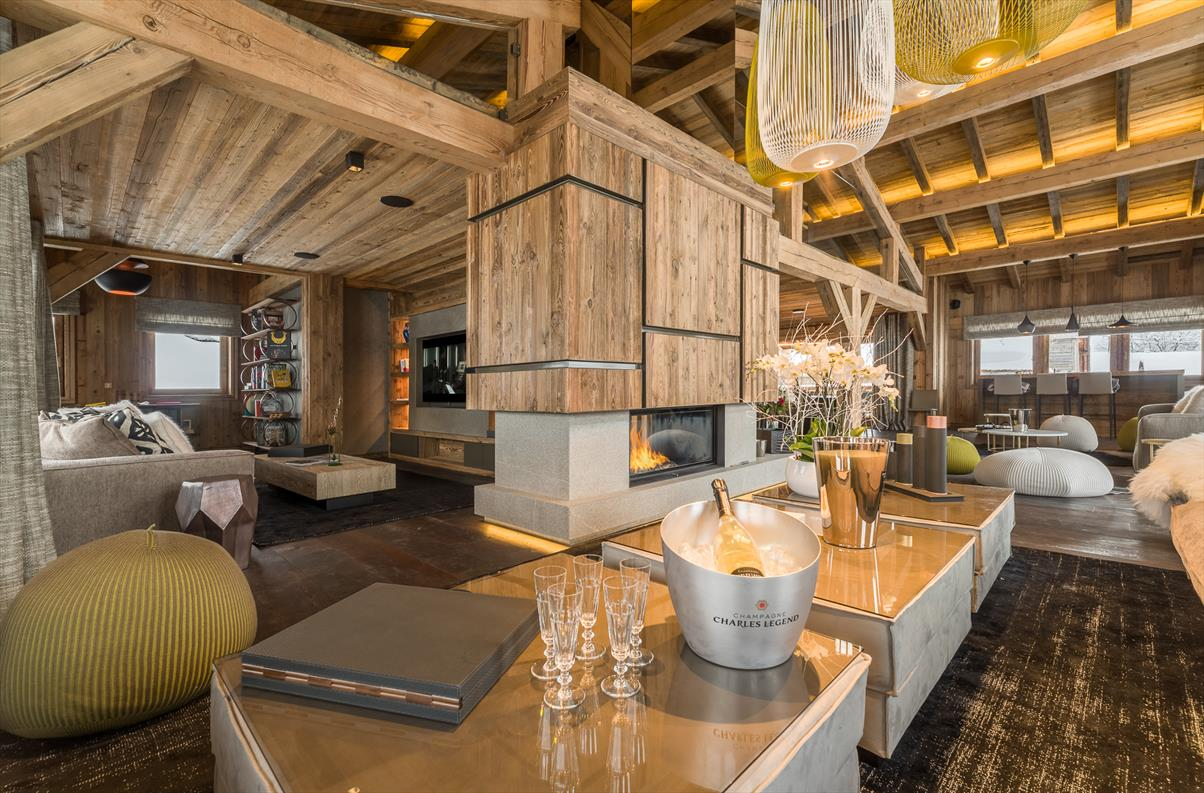 See details MEGEVE Villa 16 rooms (9688 sq ft), 5 bedrooms